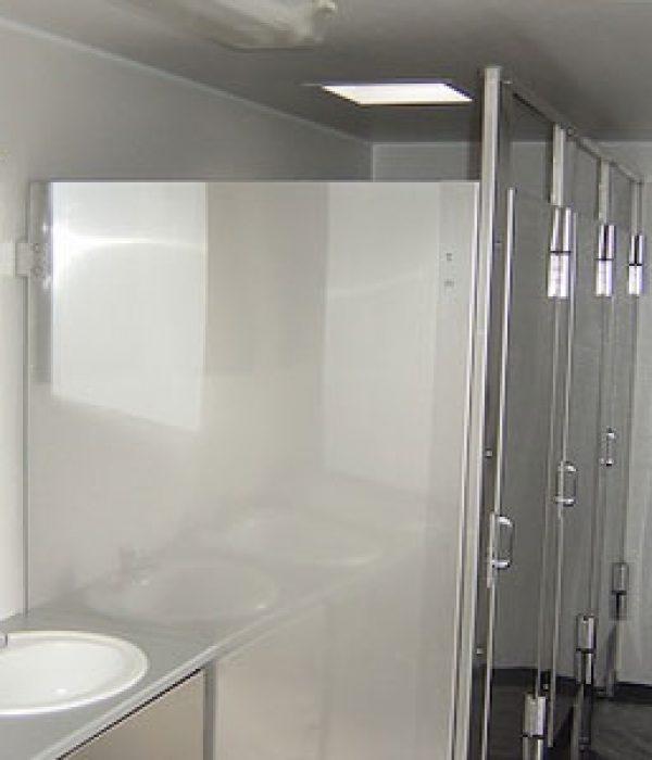 Restroom Trailer 20ft